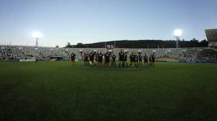 360 Haka as French won't back down!